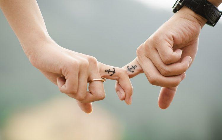 Acuario y Escorpio en el amor